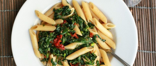 Penne Pasta with Kale & Sun-Dried Tomatoes (Vegan Recipe)